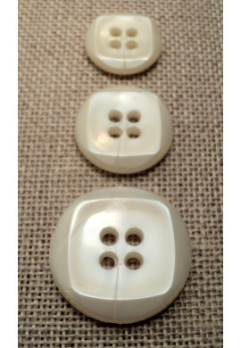 Button off-white 15mm/18mm/23mm 4-holes