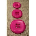 Button fuchsia 15mm/18mm/23mm 4-holes