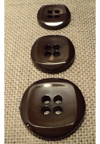 Button brown 15mm/18mm/23mm 4-holes