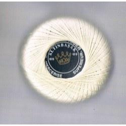 Darning cotton thread off-white